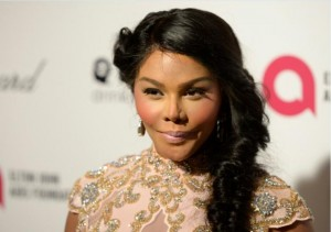 Lil' Kim's Recent Appearance Sparks Plastic Surgery Rumors