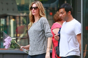 Gisele Wears a 'Baggy' Sweater, Further Fueling Plastic Surgery Rumors