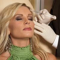 'Real Housewives' Star Chooses Botox Over Beau