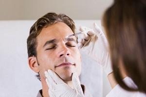 Tips for Men Looking to Get Plastic Surgery