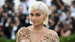 Kylie Jenner Gets Rid of Lip Fillers